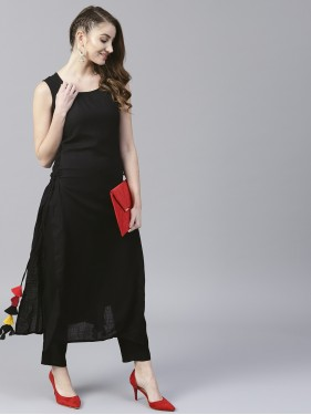 Black Solid Sleeveless Long Kurta With Side Tassel